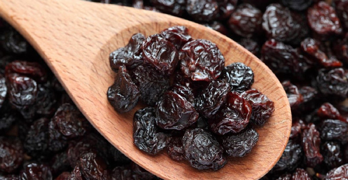 9. Raisins Raisins are a source of phytochemicals like oleanolic that kill cavity causing bacteria. It is also loaded with anti-oxidants that help in keeping teeth and gums in good shape.