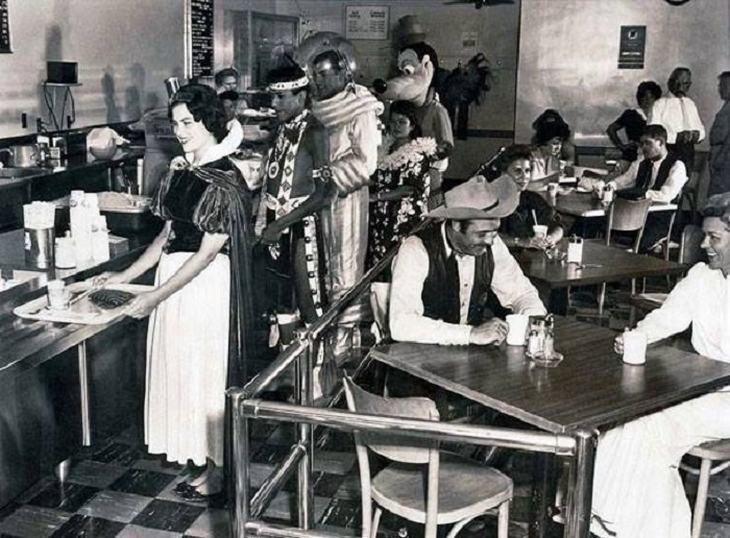 A great photo from the Disneyland staff cafeteria in 1961.