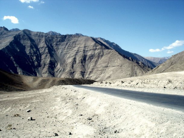 Magnet Hill -Ladakh The Magnet Hill is situated near Leh in Ladakh on the Leh-Kargil-Srinagar national highway. Magnet Hill is a popular stop for domestic tourists on car journeys, which has magnetic properties strong enough to pull cars.