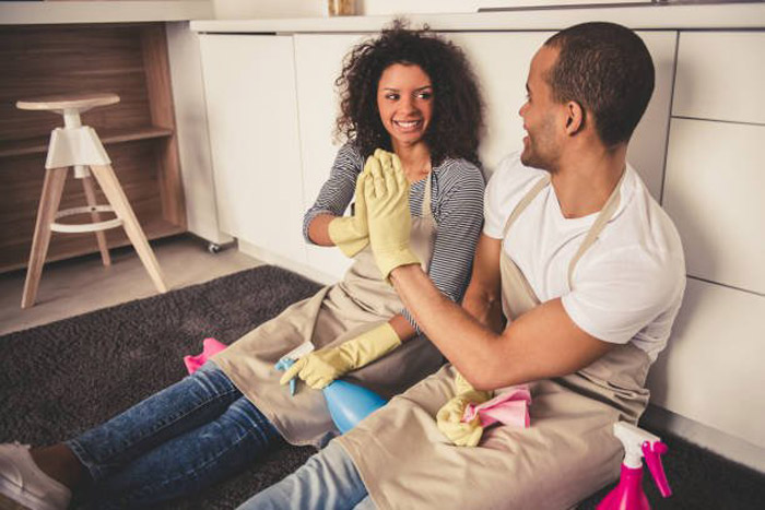 6. Couples who divide household chores equally understand each other better.