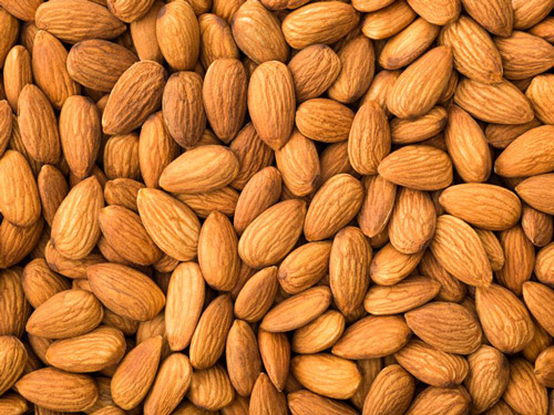 6. Eating almonds helps in maintaining sugar levels in the blood for a long period of time.