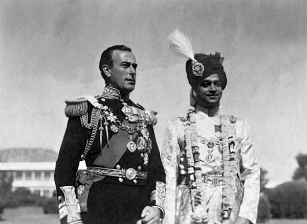 December 1947: India's last viceroy Lord Mountbatten with the Maharaja of Jaipur in New Delhi
