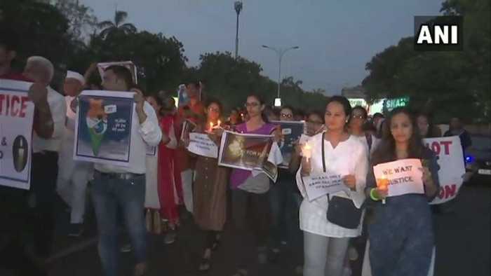 Also in Surat, candlelight march have been held against the brutal rape and murder of a minor girl in the city.