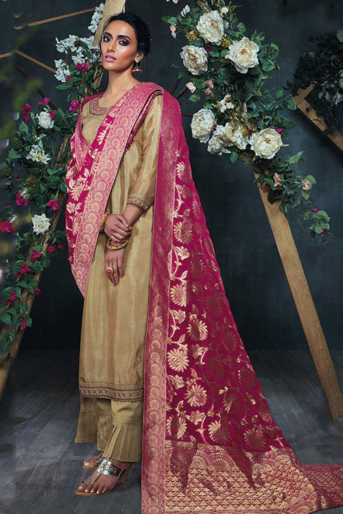 7. Team up your heavy dupatta with another apparel to make your regular outfit look more heavy.